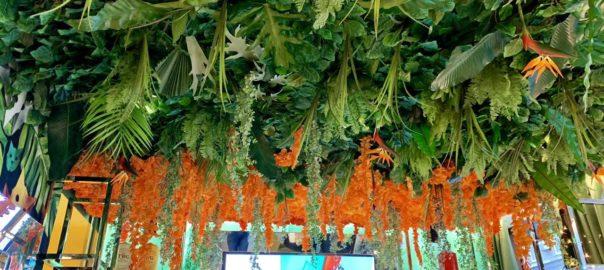 Флористическое оформление потолка из искусственных растений, 35 кв.м., ArtRamus бутик и кафе